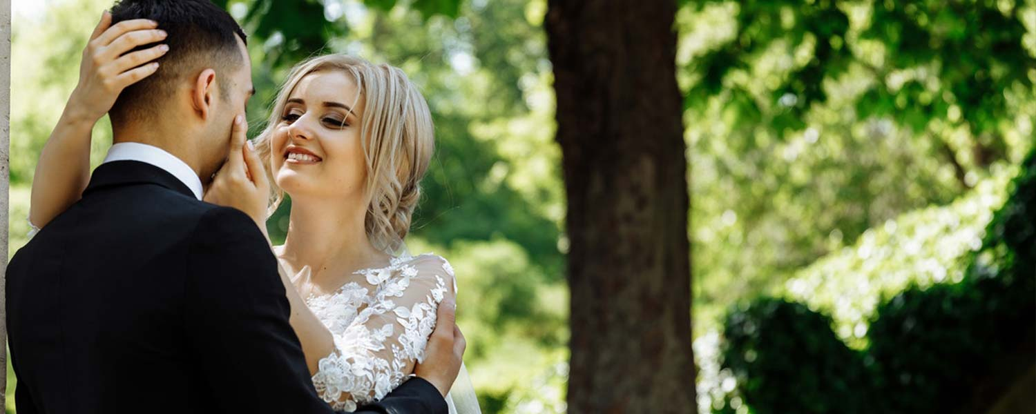 Best Free WordPress Themes For Wedding Photographers