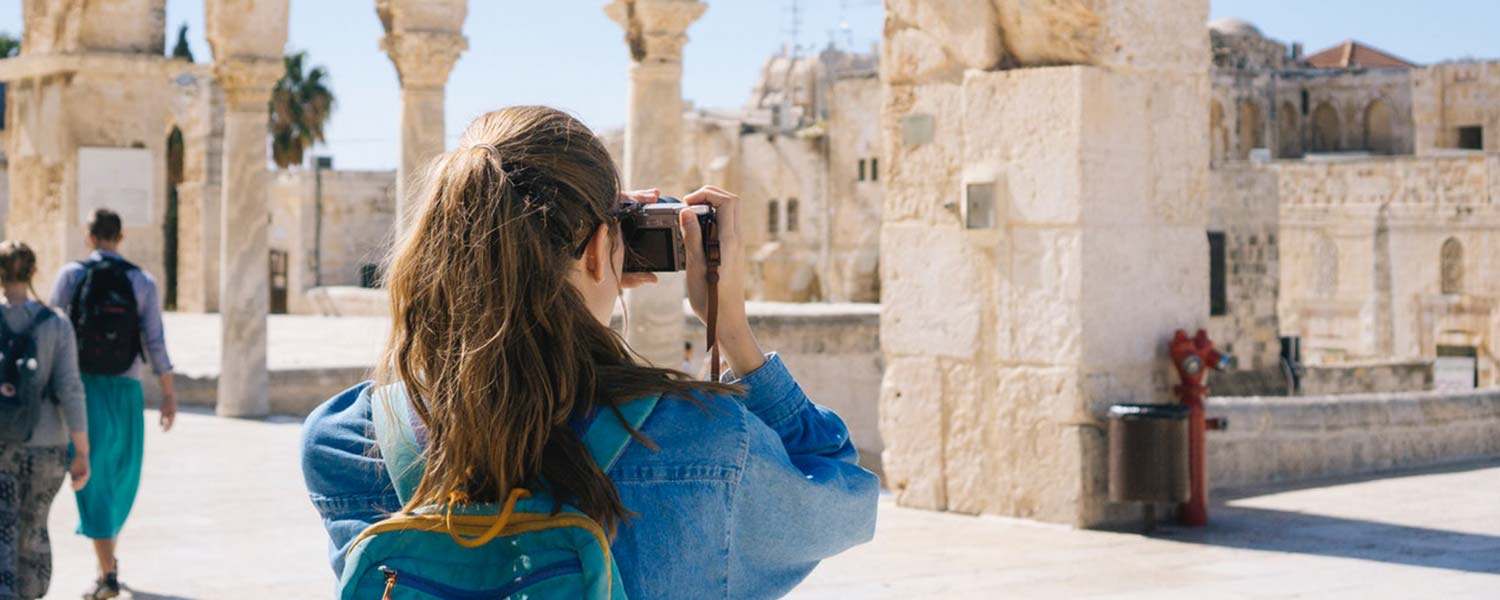 Best WordPress Themes For Travel Bloggers